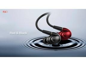 FiiO F9 Auricolari In-Ear 3-Driver Ibrido Cavo MMCX Staccabile