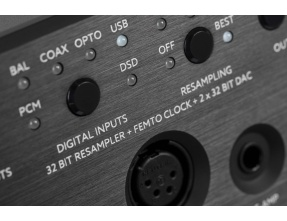 Violectric DHA V590 Reference Quality Headphone Amplifier and DAC