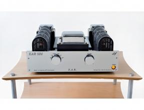 E.A.R. Yoshino 834 Valve Integrated Amplifier